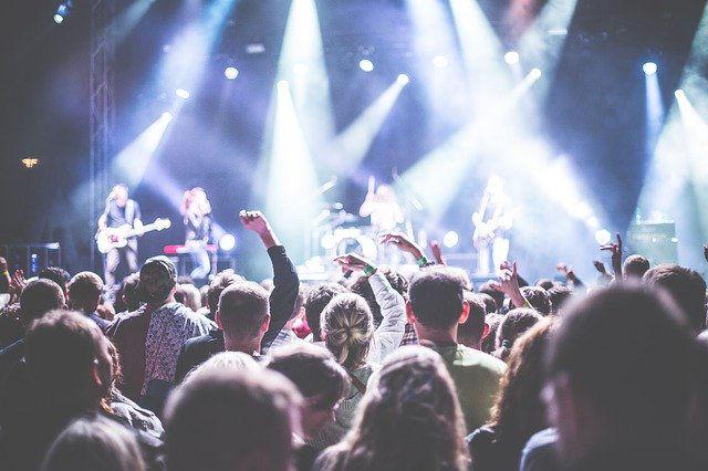 se faire un complément de revenu en vendant des places de concert
