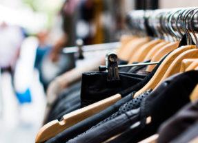 Louer ses vêtements : les sites et les conseils pour que ça rapporte