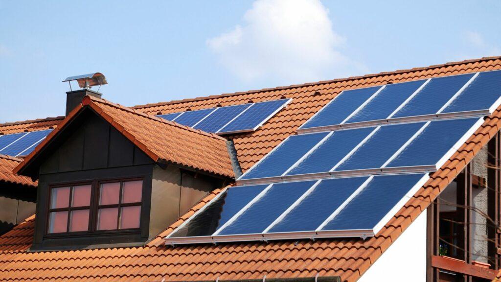 Les panneaux solaires bon plan ou arnaque (2)