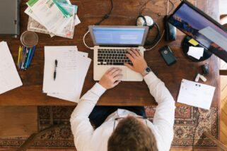Pourquoi le statut d'autoentrepreneur est-il nécessaire pour obtenir un complément de salaire?