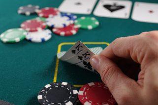 Comment s'améliorer au Poker en ligne?